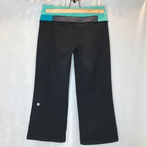 Lululemon black/mint/grey/blue groove crops
